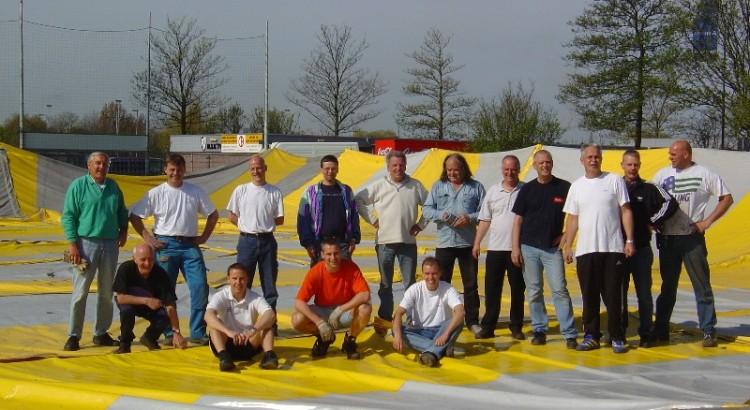 Bouwploeg 2004web